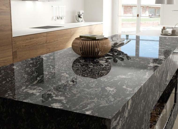 Tips Pierinelli para limpiar una encimera de granito